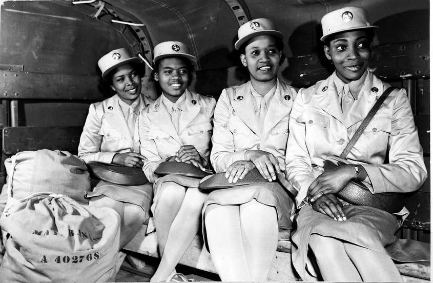 20 photos of black women at work during World War II